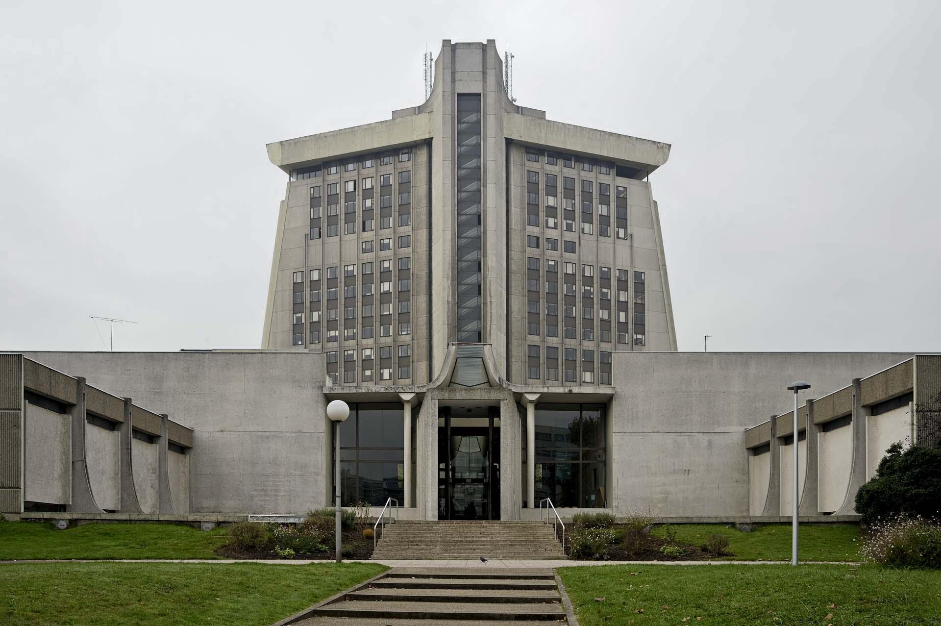 Palais de Justice, Creteil - Daniel Badani, 1978