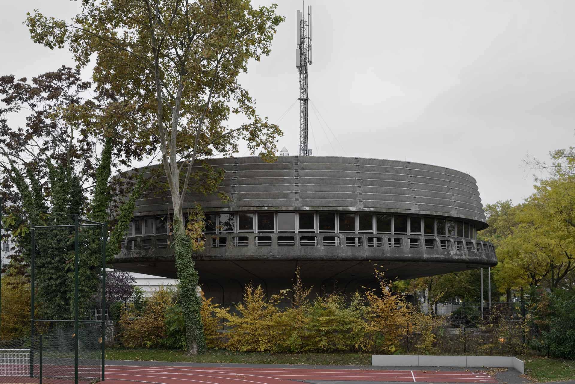 Telecomminications Building - Pierre Vivien, 1970